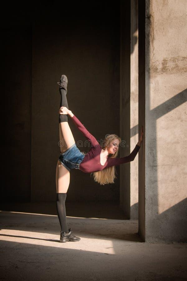 Dans, lichaamsvorm, fitness, training, sterkte, zonlicht, elastisch royalty-vrije stock foto's