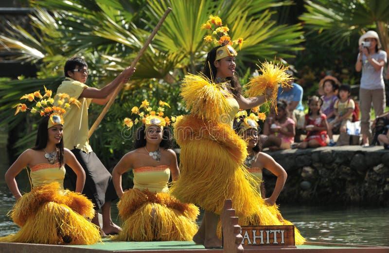 dans tahiti arkivbild