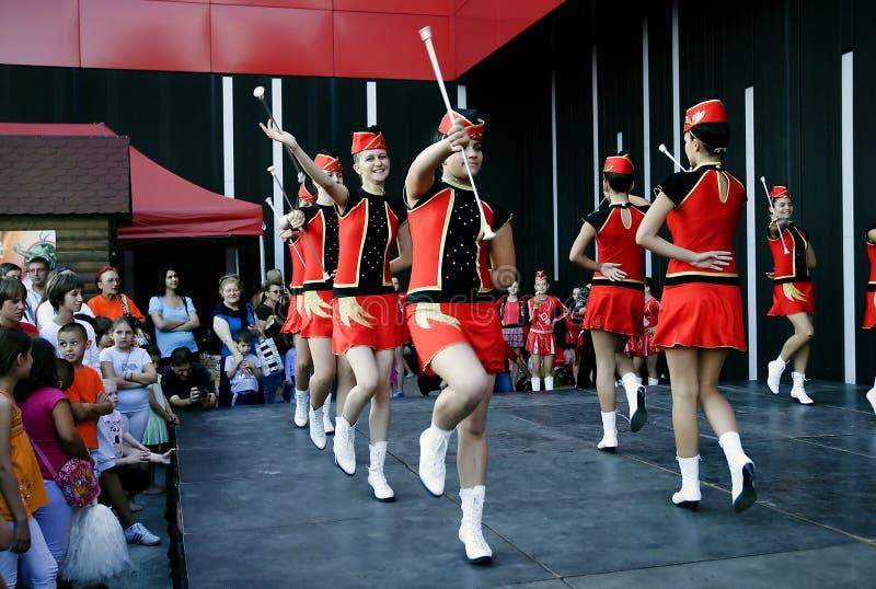 Dans van majorettes van Bulgarije-1 royalty-vrije stock afbeelding