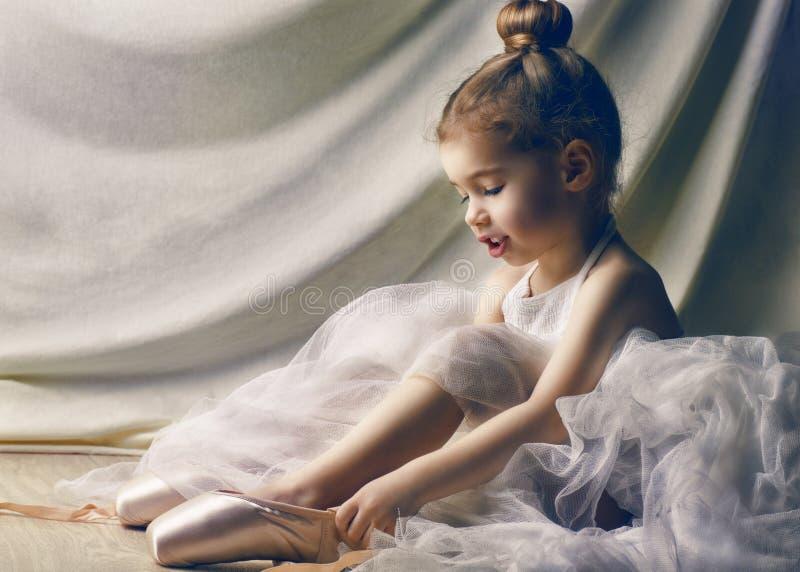 Dansa behagfullt royaltyfria foton