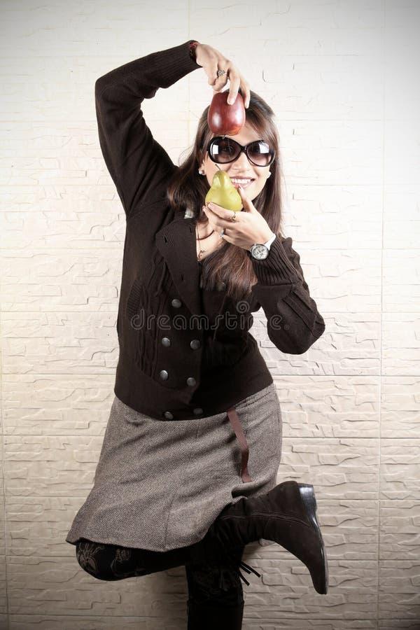 dansa frukter fotografering för bildbyråer