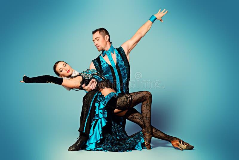 Dansarefolk arkivbilder