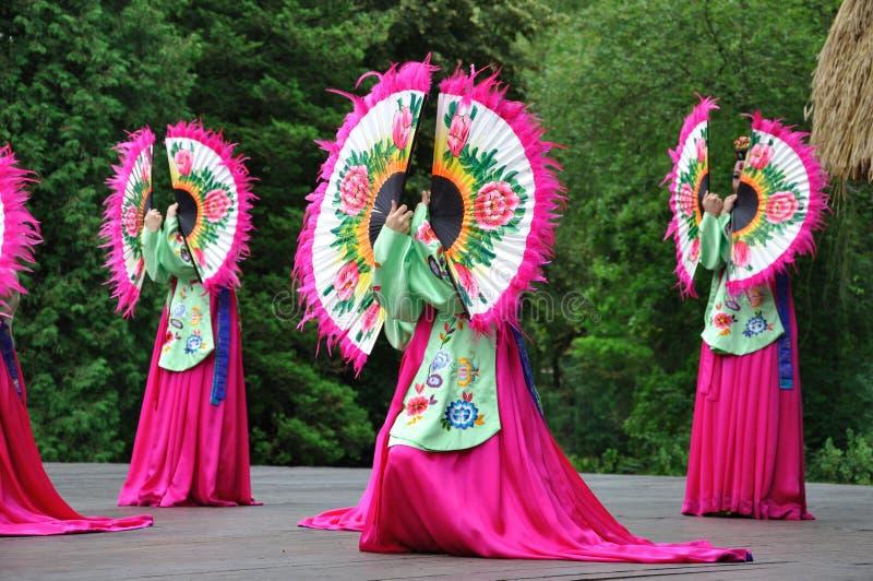 dansarekvinnlig japan arkivbild