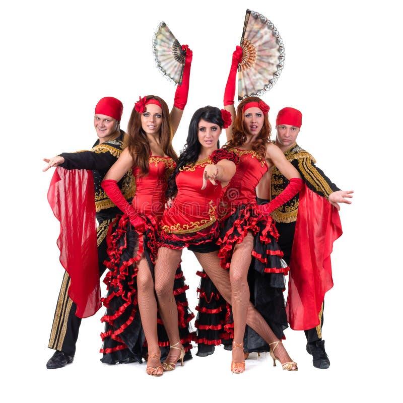 Dansarelag som bär i traditionell flamenco fotografering för bildbyråer