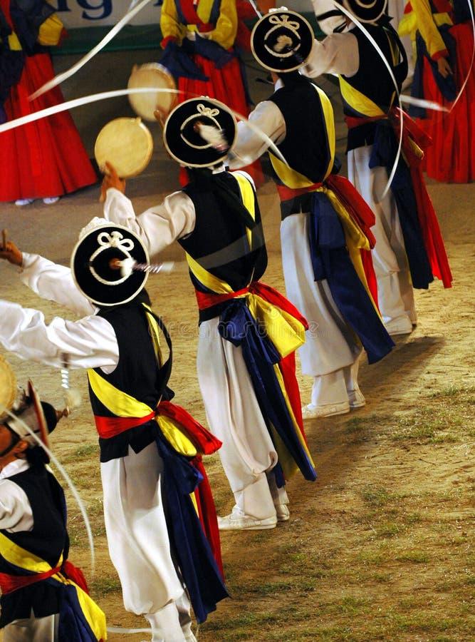 dansaresamulnori royaltyfri bild