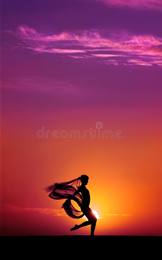 dansaresolnedgång royaltyfri foto