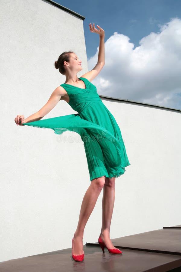 Danse avec des nuages image stock