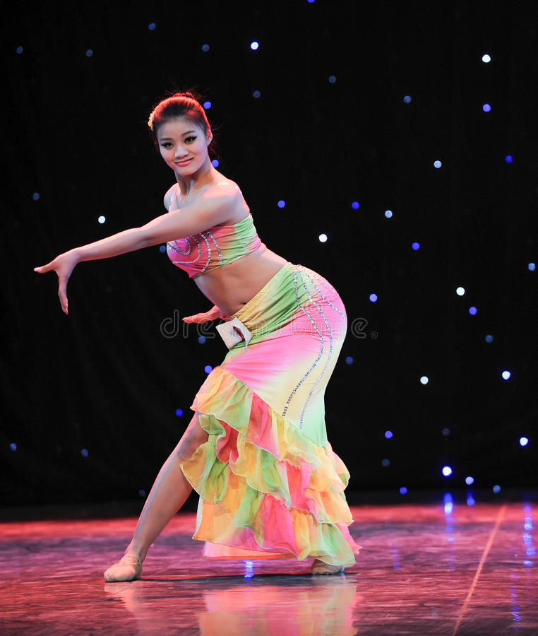 Danse chinoise de danse-Dai de gens photo stock