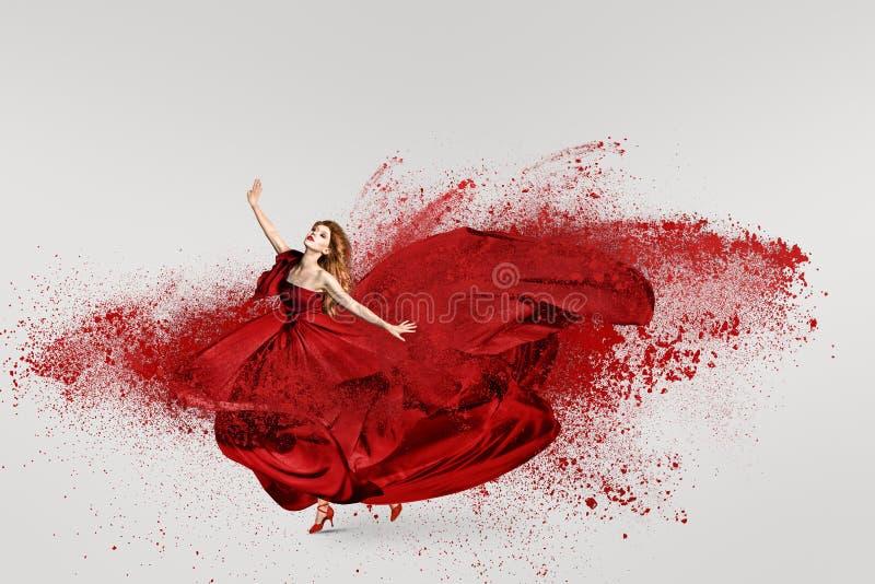 Danse de femme avec le nuage de la poudre photographie stock libre de droits
