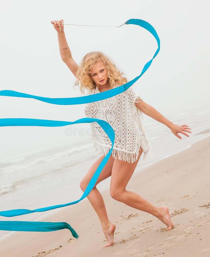 Tanz Mit Bändern