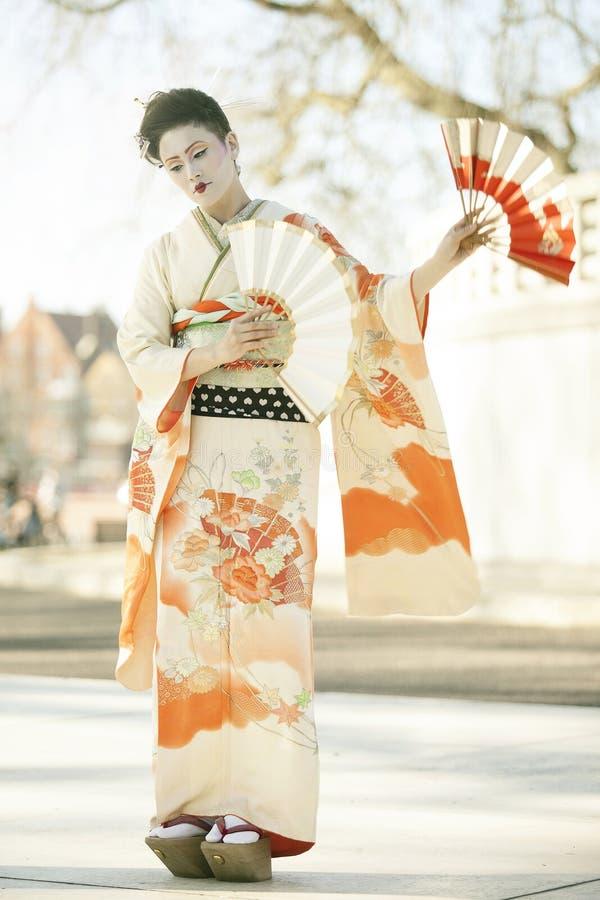 Danse de geisha photo stock