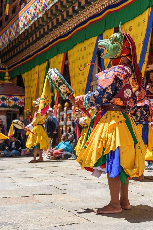Danse de moine bouddhiste du Bhutan au festival de Paro Bhutan images libres de droits