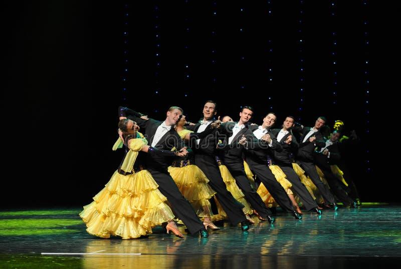 Danse du monde de l'Autriche française de cancan-le de file d'attente-Le photo stock