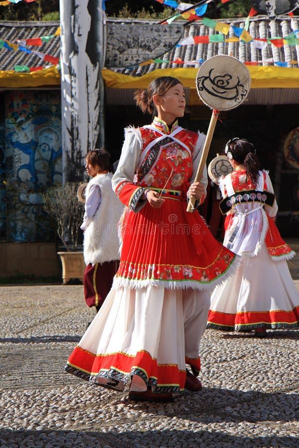 Danse ethnique de Naxi photo libre de droits