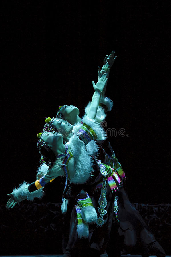 Danse ethnique tibétaine chinoise image stock