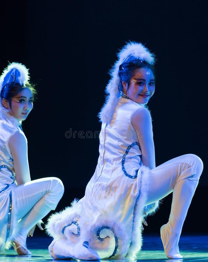 Danse fille-moderne de chat image libre de droits