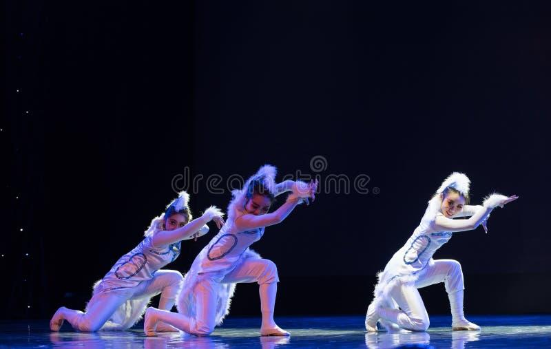 Danse fille-moderne de chat image stock