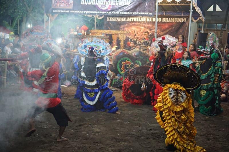 Danse folklorique barongan de Jathilan, Yogyakarta, Indonésie image libre de droits