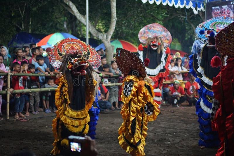 Danse folklorique barongan de Jathilan, Yogyakarta, Indonésie photographie stock libre de droits