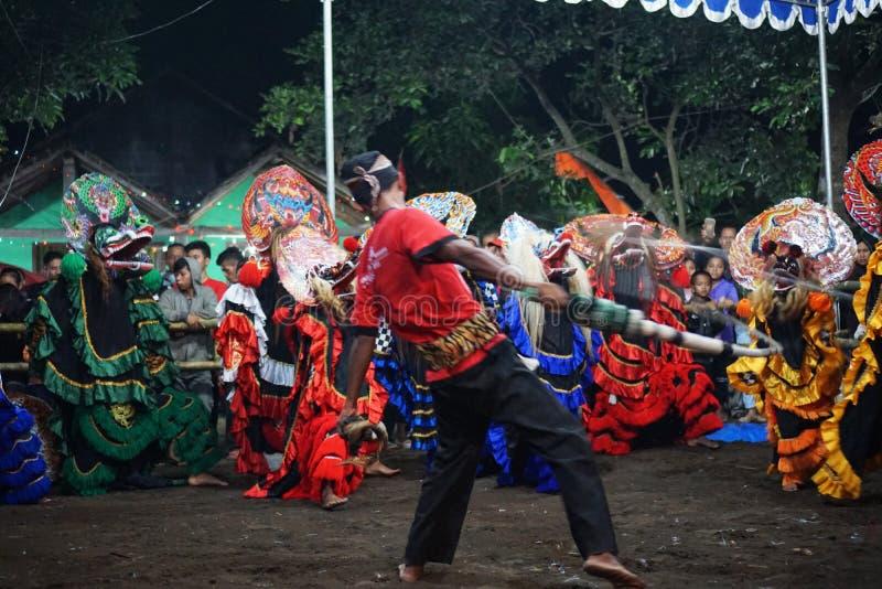 Danse folklorique barongan de Jathilan, Yogyakarta, Indonésie photos stock