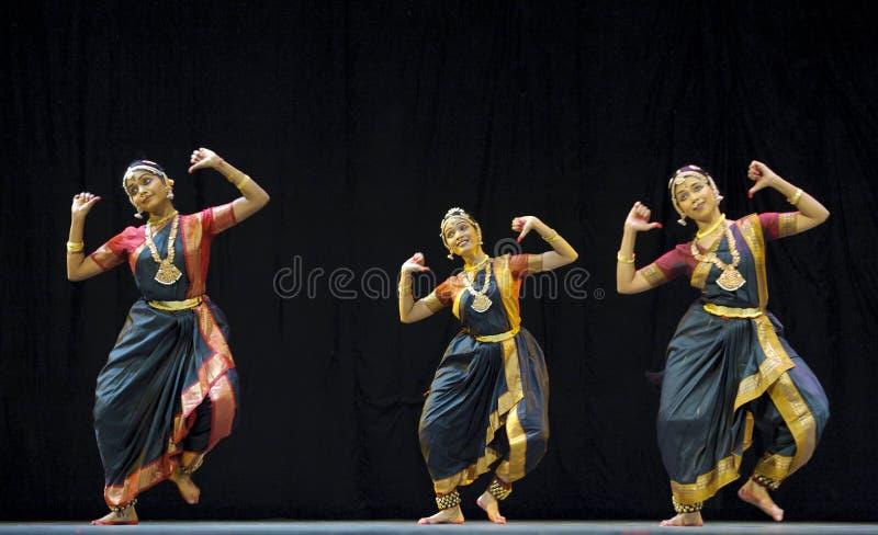 Danse folklorique indienne photographie stock libre de droits