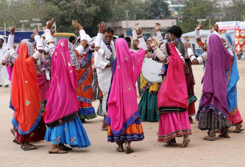 Danse indienne de femmes de banjara image libre de droits