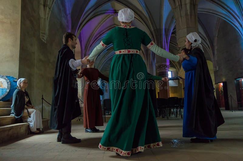 Danse médiévale images libres de droits