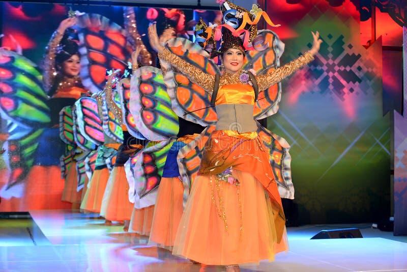 Danse moderne de papillon photo stock