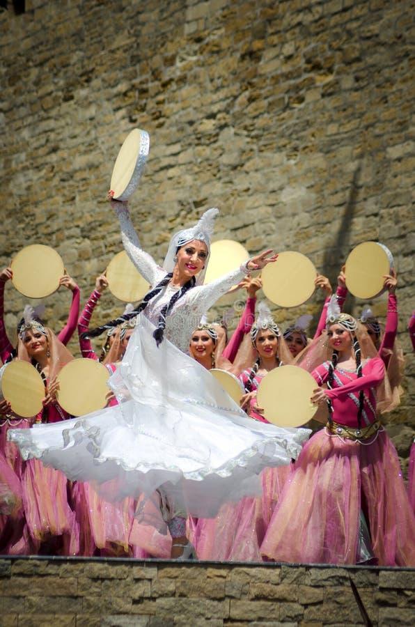 Danse nationale de l'Azerbaïdjan images stock