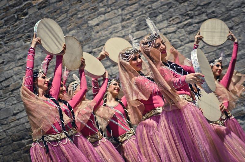 Danse nationale de l'Azerbaïdjan photos libres de droits