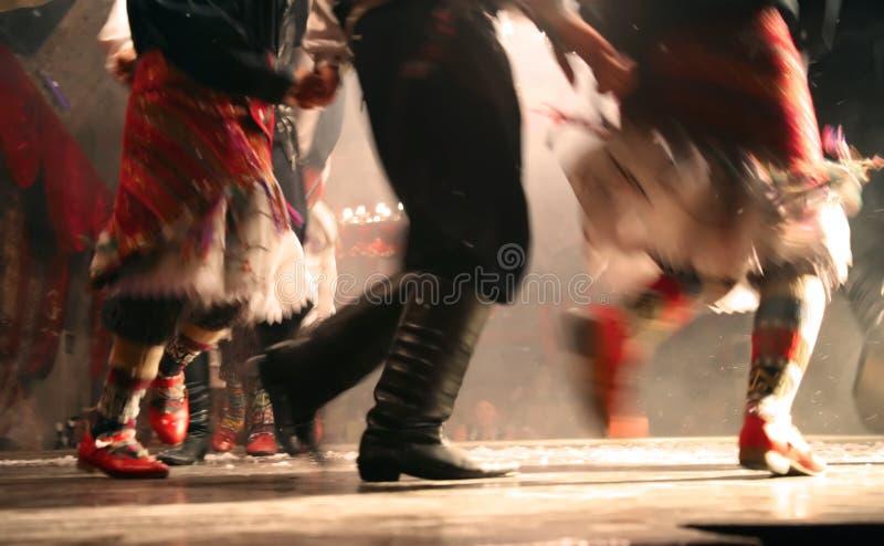 Danse nationale de turc photos stock