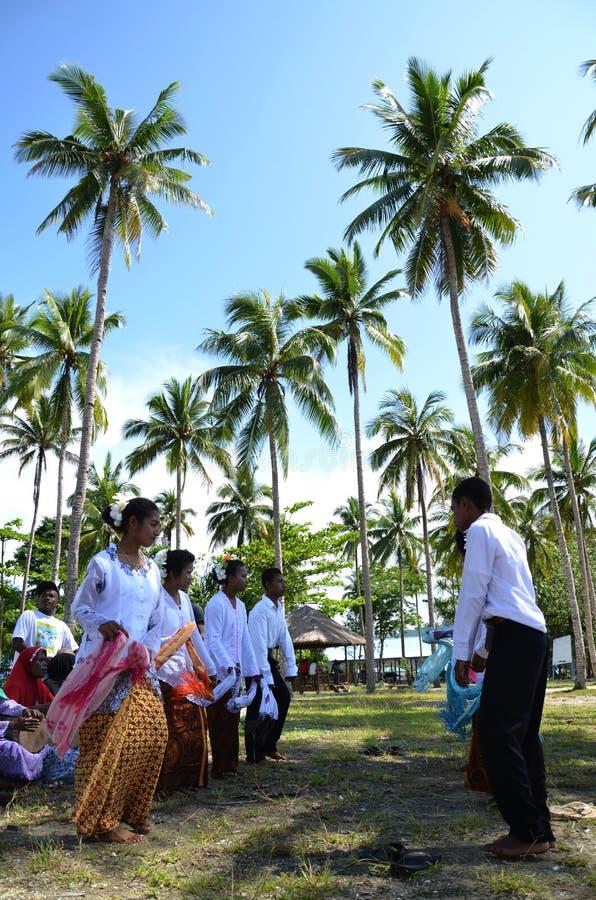 Danse traditionnelle de la Papouasie image stock