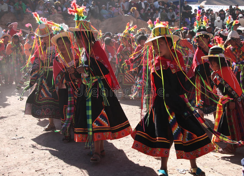 Danse traditionnelle en Bolivie images libres de droits