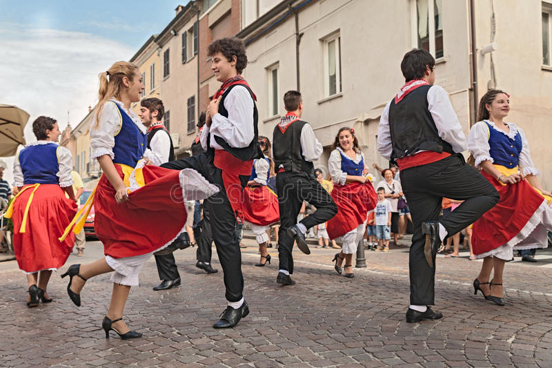 Danse traditionnelle italienne photographie stock