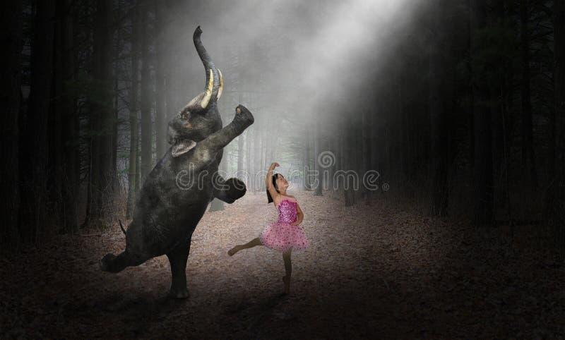 Danselefant, ballerinadansare, flicka, natur royaltyfria bilder