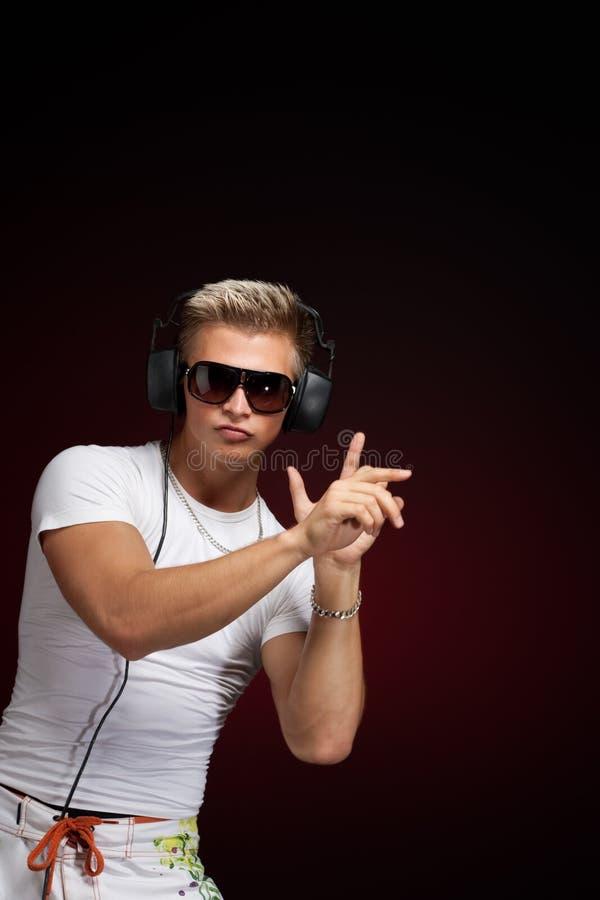 Dansend DJ stock afbeelding