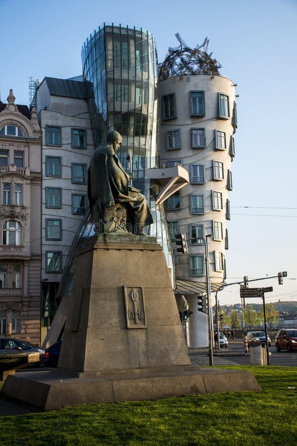 Dansend Huis en monument van Alois Jirasek in de Tsjechische Republiek van Praag royalty-vrije stock foto
