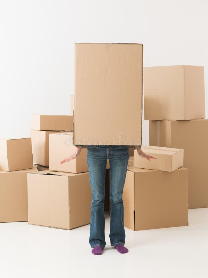 Dansende doos in nieuw huis royalty-vrije stock afbeelding
