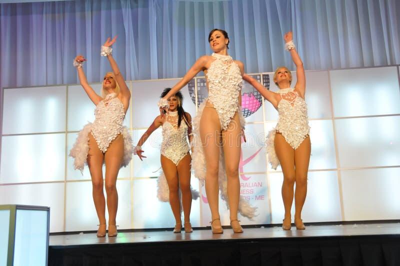 Dansende meisjes! stock afbeeldingen