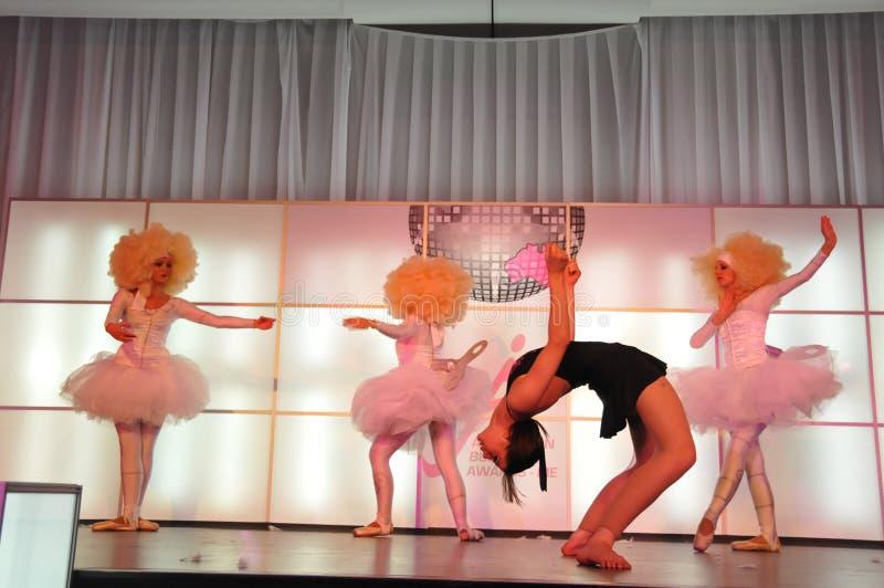Dansende meisjes stock foto's