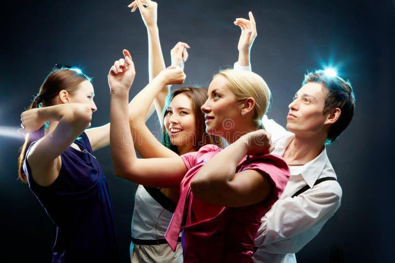 Dansende mensen stock foto's