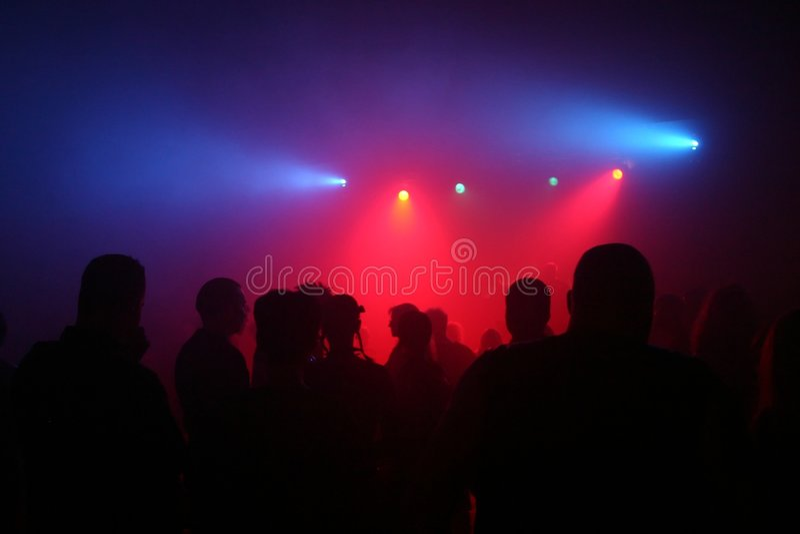 Download Dansende mensen stock afbeelding. Afbeelding bestaande uit mens - 293317