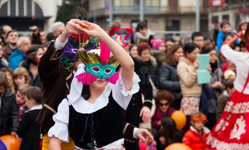 Dansende mensen bij Carnaval-Ballen stock fotografie