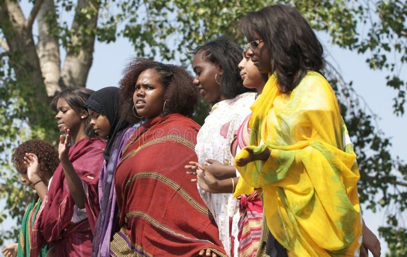 Dansende Somalische meisjes stock afbeeldingen