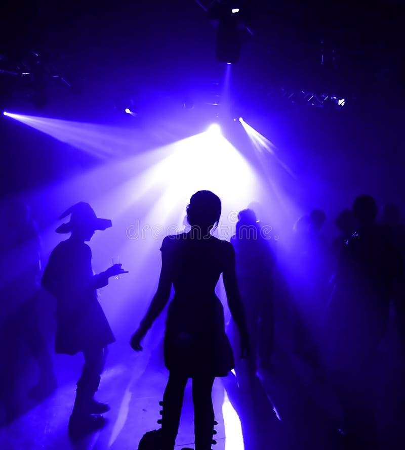 Dansende tieners stock afbeeldingen