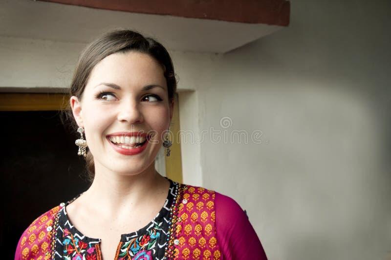 Danser in Indische Sari stock foto's