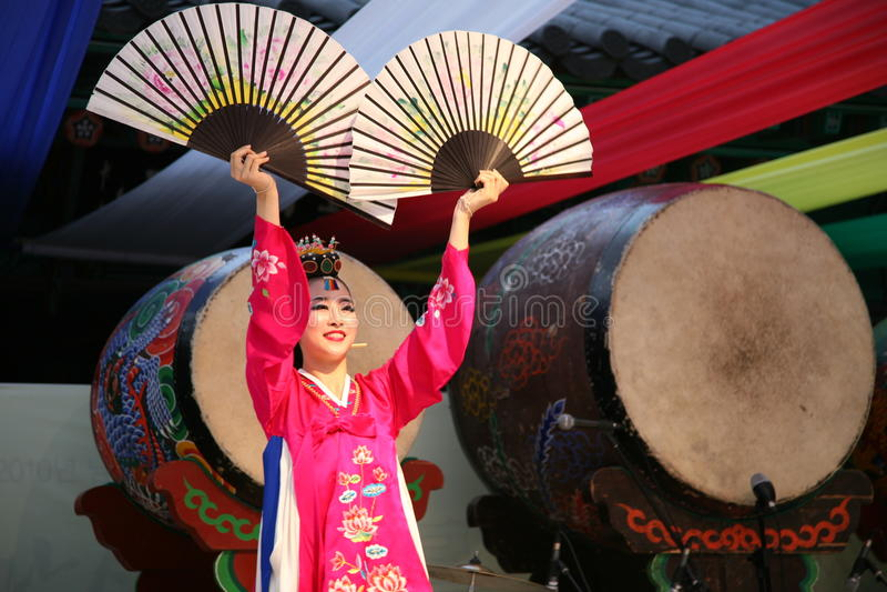Danser Koreaan stock afbeelding