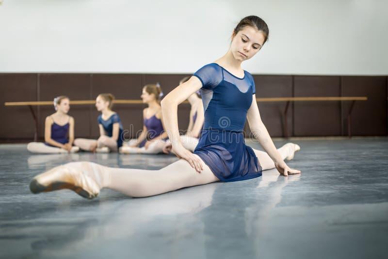 Dansers het praktizeren royalty-vrije stock fotografie