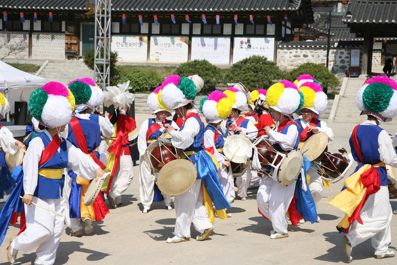 Dansers Koreaanse, traditionele trommel stock afbeelding