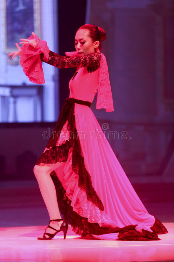 Download Danseur photographie éditorial. Image du danseur, danse - 76077137